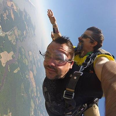 Brett Hardy Level Green Landscaping Account Manger skydiving