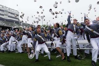 graduation-679944_1280.jpg