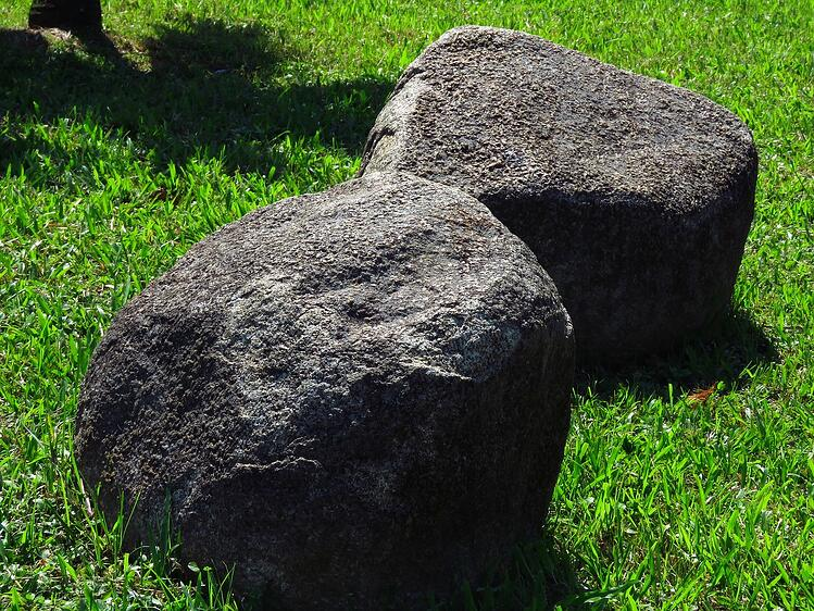 How To Use Large Rocks In Landscaping 3 Solid Examples
