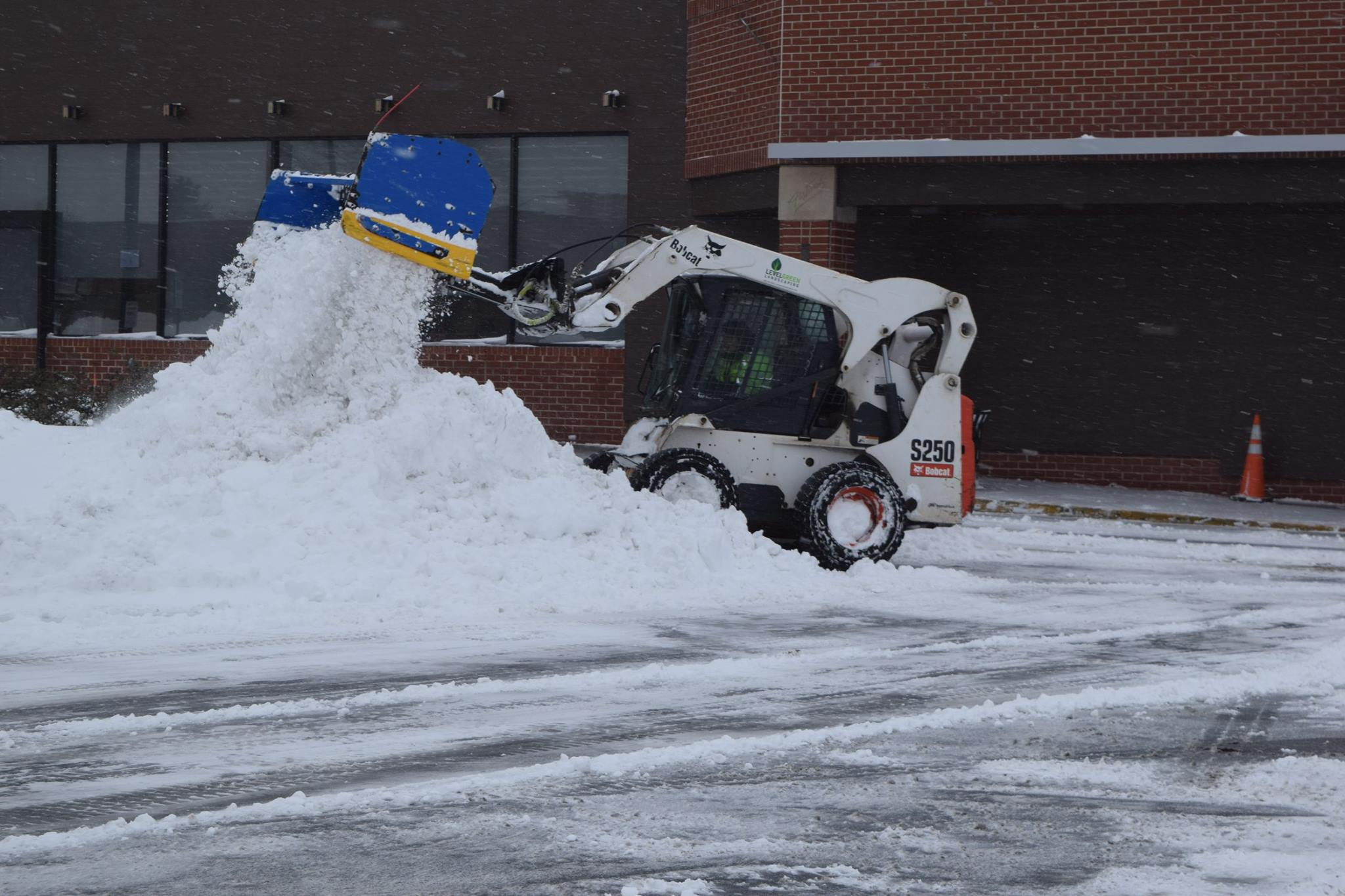 Level Green Snow Removal