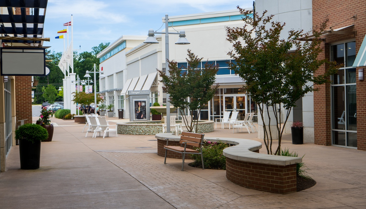 Tanger Outlets wall
