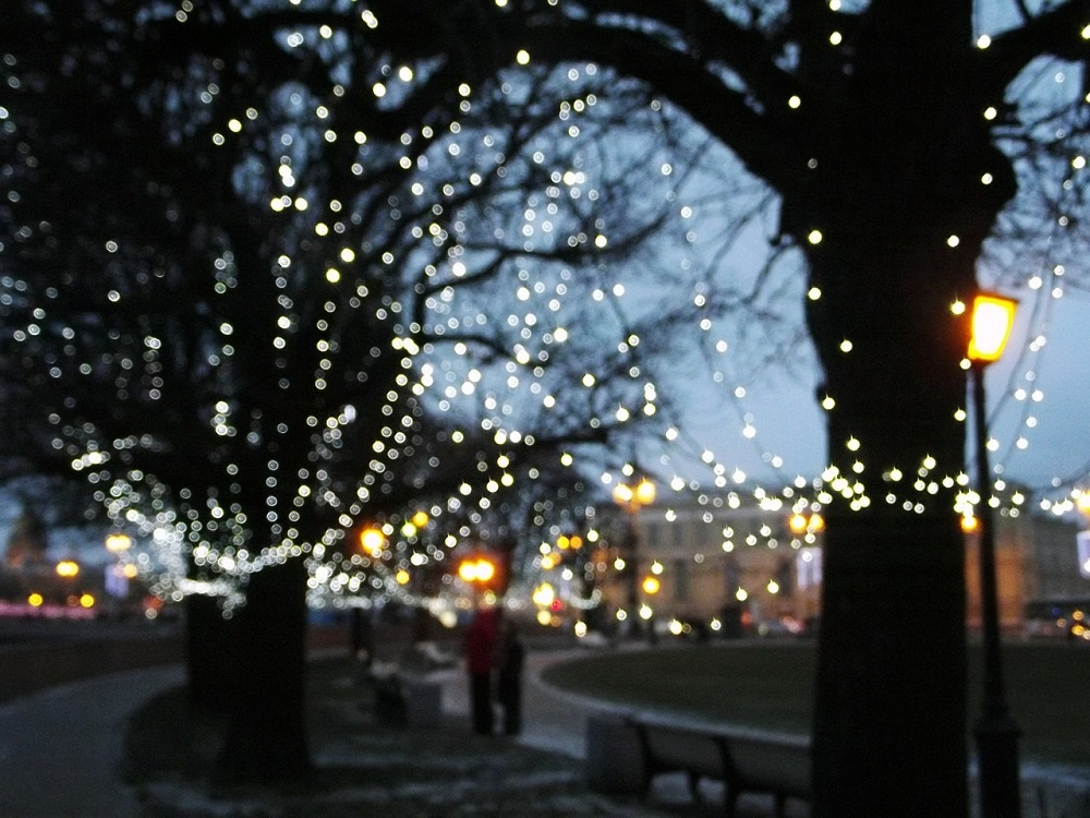 Holiday Decorating Tips and Ideas For Your Commercial Property