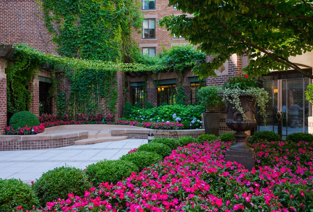 The Best Landscape Design Ideas For Brick Buildings